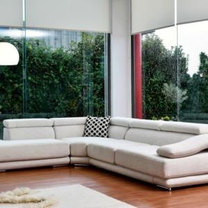 """άσπρος υφασμάτινος γωνιακός καναπές σχήμα """"γ"""""""